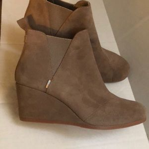 Toms women's Kelsey Ankle boots